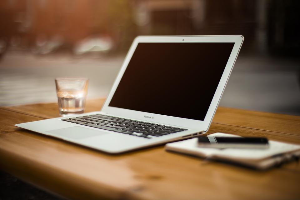 En Uzun Pil Ömürlü Laptop